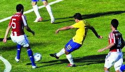 เฟร็ดฮีโร่ยิงช่วยบราซิลไล่เจ๊าปารากวัย2-2