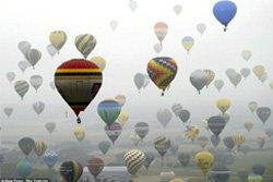 อลังการ! ปล่อยบอลลูนลอยเต็มฟ้า มากที่สุดในโลก