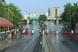 ม.หอการค้าไทยคาดน้ำท่วมทำว่างงาน 700,000 คน