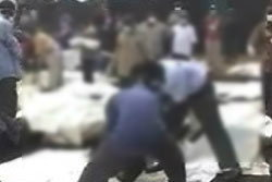 รถขนศพศิริราชไปชลบุรี คว่ำ 23 ศพเกลื่อน