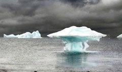 น้ำแข็งละลายที่แอนตาร์กติก เป็นรูปยูเอฟโอ