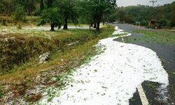 สิ้นเดือนเมษา พายุลูกเห็บตกขาวโพลนที่เชียงใหม่