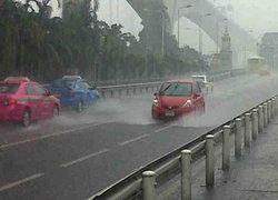 อุตุฯ เตือนช่วงเย็น ฝนยังตกมากต่อเนื่อง