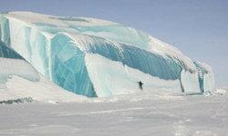 ตะลึง!! คลื่นน้ำแข็งสูงยักษ์ โผล่ที่ขั้วโลกใต้