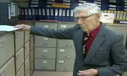 คุณปู่ อายุ 100 ปี พนักงานที่มีอายุมากที่สุดในอังกฤษ