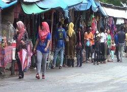 ชาวไทยมุสลิม เริ่มซื้อของเข้ารายอ