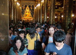 เทศกาลวันแม่ปชช.ไหว้พระพุทธชินราชแน่น