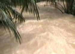 น้ำป่าซัดสะพานบ้านมวกเหล็กในสระบุรีขาด