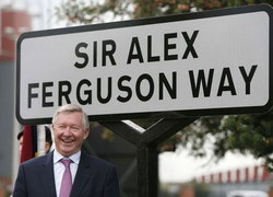 เปลี่ยนชื่อถนนในเมืองเป็นเซอร์อเล็กซ์เฟอร์กูสัน