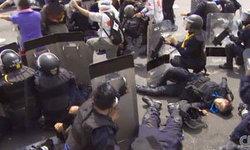 CNN เผยอีกคลิป ตำรวจปาวัตถุคล้ายระเบิดใส่ผู้ชุมนุม
