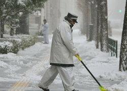 หิมะถล่มโตเกียวมวลชนขนส่งหยุดชะงักชั่วคราว
