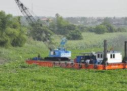 ผักตบชวาเริ่มแน่นแม่น้ำท่าจีนเรือสัญจรไม่ได้