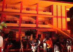 ไฟไหม้อาคารเรียนไม้เก่าแก่อายุกว่า80ปีจ.สตูล