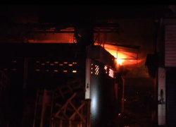ไฟไหม้ห้องเก็บสินค้าตลาดปีนังวอด3ห้อง