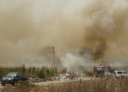 อากาศร้อน ไฟไหม้ดงปรือ กลางเมืองนครปฐม