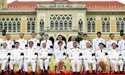 เปิดโผ 9 รัฐมนตรีพ้นเก้าอี้ตามยิ่งลักษณ์