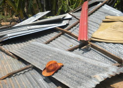 พายุถล่มขุนหาญ ศรีสะเกษบ้านเรือนพังยับ