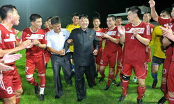 จะเกิดอะไรขึ้น! เมื่อผู้นำเกาหลีเหนือมาดูฟุตบอล