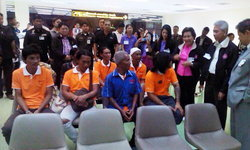 ลูกเรือ 21 ชีวิตที่อินโดฯ ถูกส่งตัวกลับเมืองไทยแล้ว