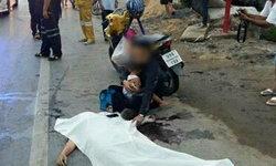 สะเทือนใจ! 2 พ่อลูกกอดศพแม่ ลื่นล้มน้ำมันถนนรังสิต