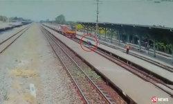 นาทีมรณะ หนุ่มใหญ่วิ่งไปนอนบนราง ล้มตัวนอนให้รถไฟทับ