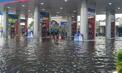 พายุฤดูร้อนถล่มรังสิต-ปทุมฯ น้ำท่วม อยุธยาฝนตกหนัก