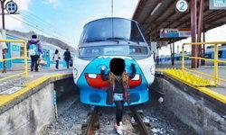 จวกยับ! หญิงไทยโพสต์โชว์หรา ถ่ายรูปกับรางรถไฟที่ญี่ปุ่น