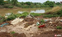 คลิปนาทีดินสไลด์ลงแม่น้ำทำบ้านพัง มีเวลาหนีตาย 30 วินาที
