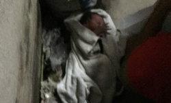 สะเทือนใจ เด็กแรกเกิดห่อใส่ผ้า วางทิ้งชุมชนย่านจตุจักร