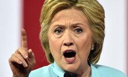 """FBI พบอีเมล์ """"คลินตัน"""" บนแลปท็อปผู้ช่วยฮิลลารี"""
