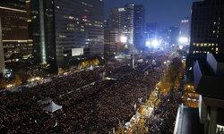 """คนเกาหลีนับแสน ประท้วงขับไล่ """"ประธานาธิบดี"""" ให้ลาออก"""