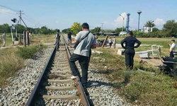 รถไฟชนกระบะราชบุรี กระเด็นตกท้ายตาย 1 เจ็บ 6