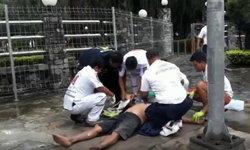 นาทีชีวิต ปั๊มหัวใจคนถูกไฟดูด หลังสายไฟขาดร่วงบนฟุตปาธ