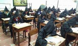 นักเรียน ม.6 แม่สอด ใส่เสื้อกันหนาวเปลี่ยนห้องสอบเป็นฮอกวอตส์