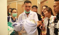 แม่บ้านห้างดังบุรีรัมย์ผงะ พบทารกแรกเกิดถูกทิ้งในถังขยะห้องน้ำ