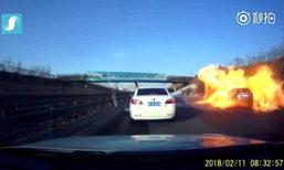 สะพรึง รถบรรทุกแก๊สคว่ำ ไฟลุกพรึบเผาทั้งรถ-ต้นไม้วอดพริบตา