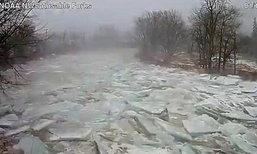 ภาพน่าอัศจรรย์ วินาทีเจ้าแม่เอลซ่า หนาวเหน็บเยือนอเมริกาชั่วพริบตา