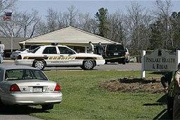 เหี้ยมโหด! มือปืนกราดยิงบ้านพักคนชราในสหรัฐเสียชีวิต 8 ศพ