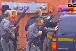 มือปืนบุกคลั่งยิง13ศพจับ41ตัวประกันในนิวยอร์ก