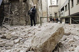แผ่นดินไหวอิตาลีดับแล้ว 16 คาดไร้ที่อยู่นับพัน