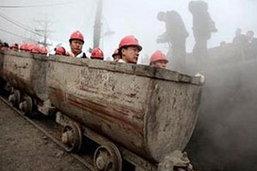 ยอดเสียชีวิตเหมืองถ่านหินระเบิดในจีนพุ่งแตะ 104 คน