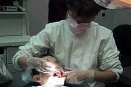 หมอฟัน จูบสาวรับทราบข้อกล่าวหา! ปฏิเสธหน้าตาเฉยอ้างถูกแบล๊คเมล์