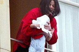 สลด! ลูกคนโต ไมเคิล ถูกหมอสั่งทนดูกู้ชีพพ่อหวังใช้เป็นพยาน ทั้งที่ร่างหมดลมหายใจ