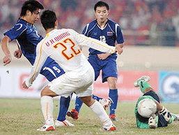 แข้งไทยชุดซีเกมส์ถูกปล้นชัยเจ๊าญวน