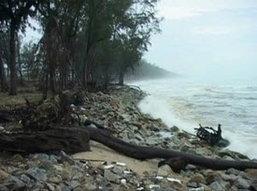 ทะเลใต้คลื่นสูงโถมชายฝั่ง-คนสูญหาย 2