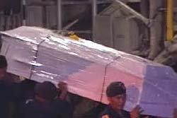 ศพเหยื่อรถคว่ำที่มาเลย์กลับถึงไทยแล้ว