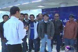 แรงงานไทยในลกลับถึงไทย ร้องรัฐจัดหางาน