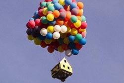 เจ๋ง! บ้านบอลลูนลอยฟ้าของจริง