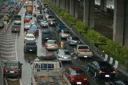 พายุฝนถล่ม! เมืองหลวงจมบาดาลรับอรุณ
