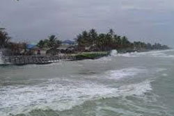 พายุเข้า นศ.ศรีปทุม ติดเกาะ 3 วัน จนท.เร่งช่วย